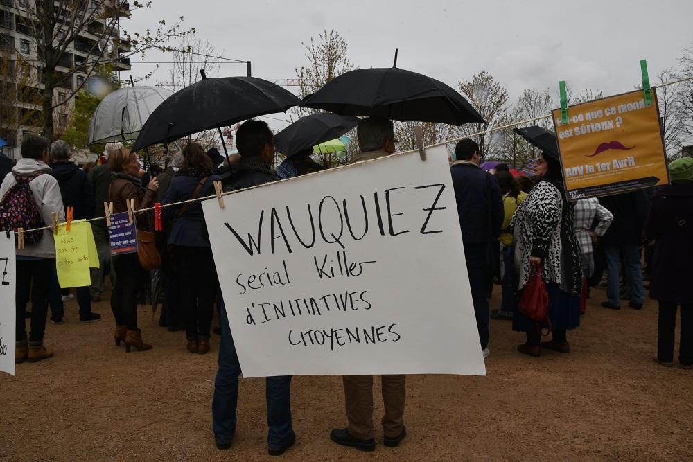 Manifestation devant l'hôtel de région à Lyon. photo : M.Remy