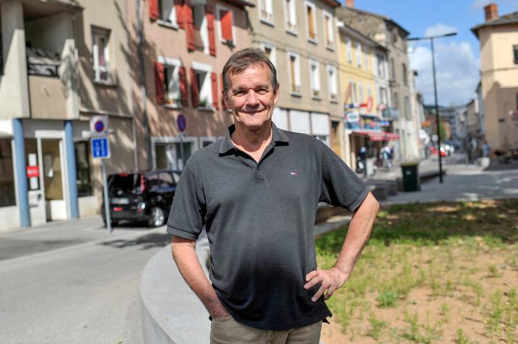 Raymond COMBAZ, 65 ans, retraité et conseiller municipal PCF de Givors - Photo Rolland QUADRINI / KR Images Presse