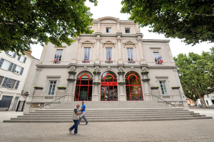 03/07/2017 - GIVORS - RHONE - FRANCE - La mairie de Givors, commune au sud de Lyon, a la confluence du Rhone et du Gier, entre les monts du lyonnais et le Pilat, une des 2 dernieres communes de la metroppole de Lyon, administrees par un maire communiste, Martial PASSI - Photo Rolland QUADRINI / KR Images Presse