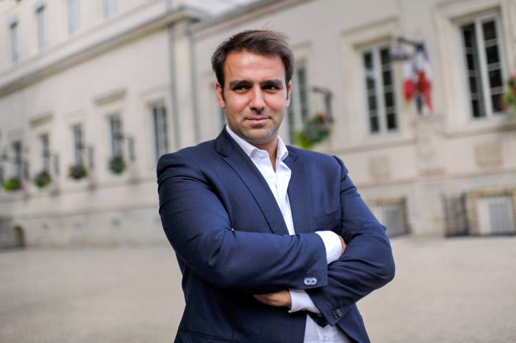 Antoine MELLIES, 25 ans, juriste, conseiller municipal d'opposition FN de Givors - Photo Rolland QUADRINI / KR Images Presse