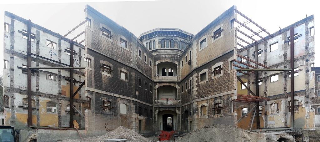 Le site des prisons Saint-Paul et Saint-Joseph lors de leur reconversion en campus universitaire. (photo : Wikimedia commons)
