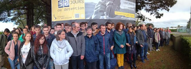 Le 13 septembre, étudiants et professeurs de l'IUT de journalisme de Lannion, dont Loup Bureau est un ancien élève, ont déployé une banderole appelant à sa libération.