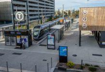 """Terminus de la """"virgule"""" du tram T2 de Toulouse à l'aéroport."""