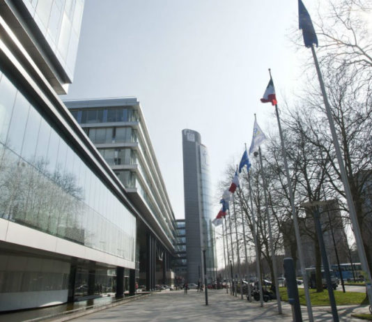 Le siège du Conseil régional des Hauts de France. Photo : MaxPPP