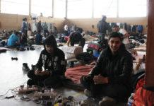 Jeunes kurdes irakiens hébergés par la ville de Grande-Synthe dans l'espace jeunes du quartier Moulin. Février 2018. Photo François Cortade.