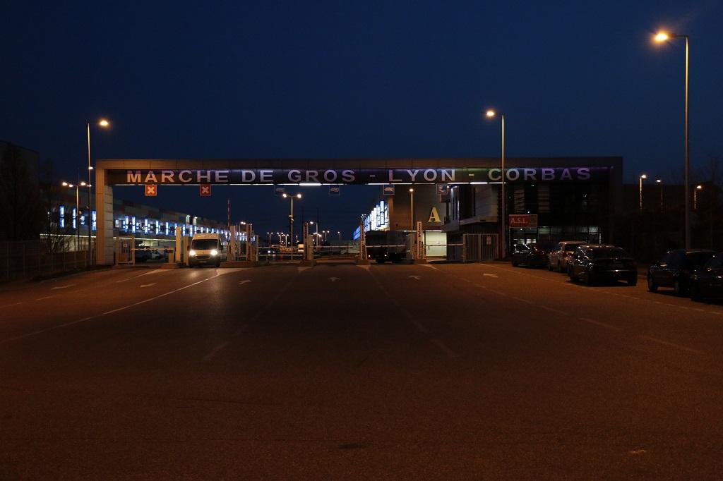 A l'entrée de Lyon-Corbas. Photo : J.Pain/Singulier.