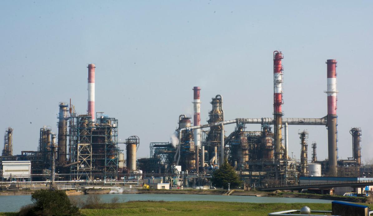 La raffinerie Total de Donges / Photo: Simon Auffret