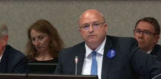 Damien Castelain, le président de la Métropole européenne de Lille, a violemment attaqué Mediacités lors de la séance du Conseil communautaire vendredi 15 juin, suite à nos révélation sur le paiement de ses dépenses personnelles par la collectivité. Capture d'écran France 3.