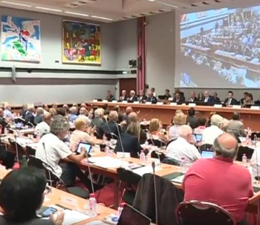 Les conseillers métropolitains de la MEL ont applaudi Damien Castelain lors de la séance plénière du 15 juin 2018. Qu'en sera-t-il dans quelques mois ? Capture d'écran France 3