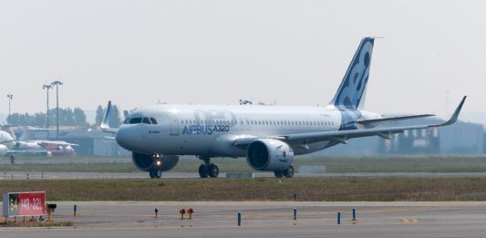 Airbus_A320neo_first_takeoff_at_Toulouse_Blagnac_Airport_01 par Don-vip