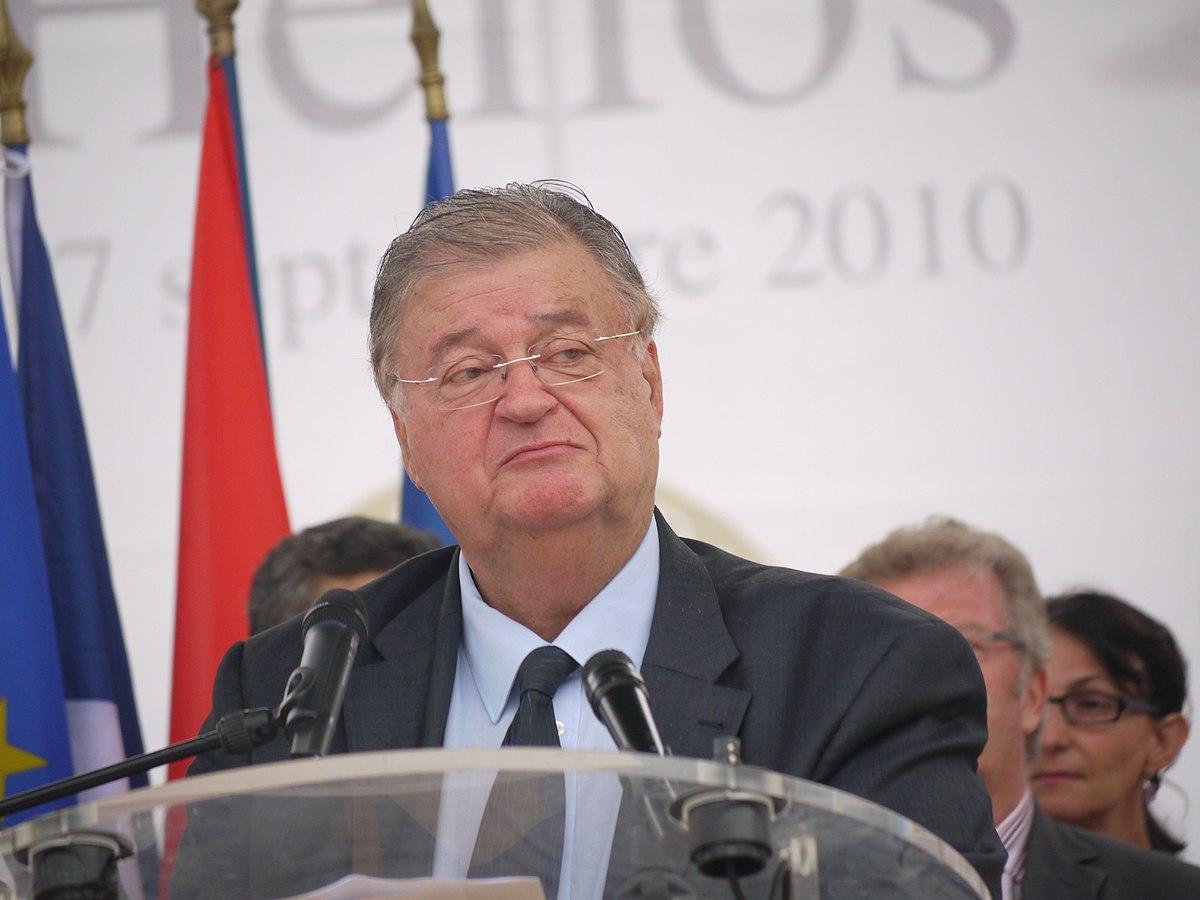 Georges_Frêche_-_Inauguration_Place_du_XXeme_siècle_à_Montpellier_le_17_septembre_2010_-_P1490361
