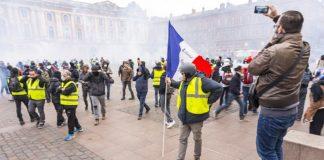 """""""Piquenique"""" des """"Gilets-Jaunes"""", place du Capitole, le 12 Janv. 2019"""