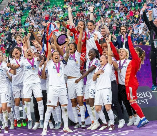 Olympique Lyonnais feiert den erneuten Titel; Jubel, celebration