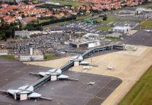 1024px-Aeroport_clermont_ferrand_auvergne_va-credit Fabien1309