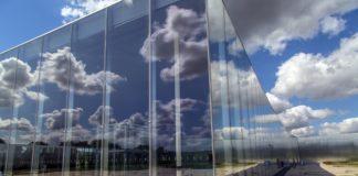 louvre-lens-museum-in-lens-1502450678hui
