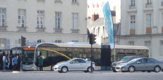 1024px-Busway_nantes_01