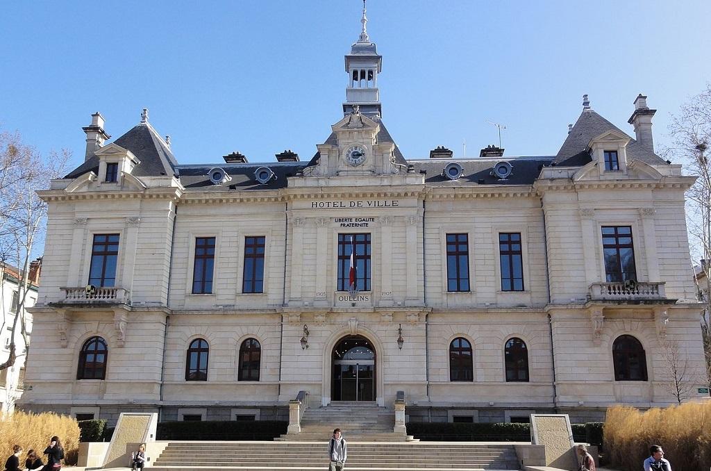 1440px-Hôtel_de_Ville_d'Oullins