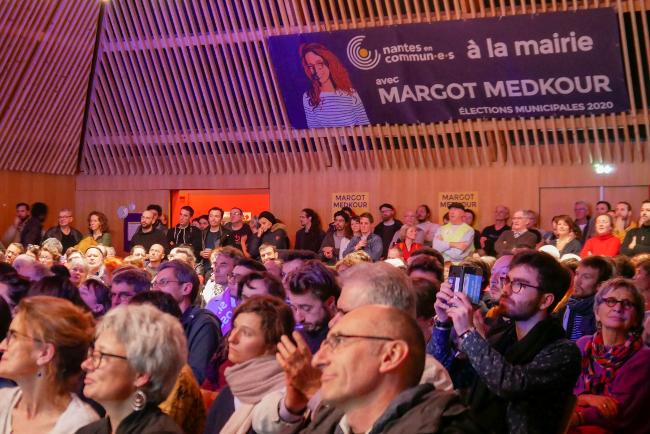 La salle festive Nantes Erdre lors du meeting de Nantes en commun·e·s (c) Thibault Dumas2