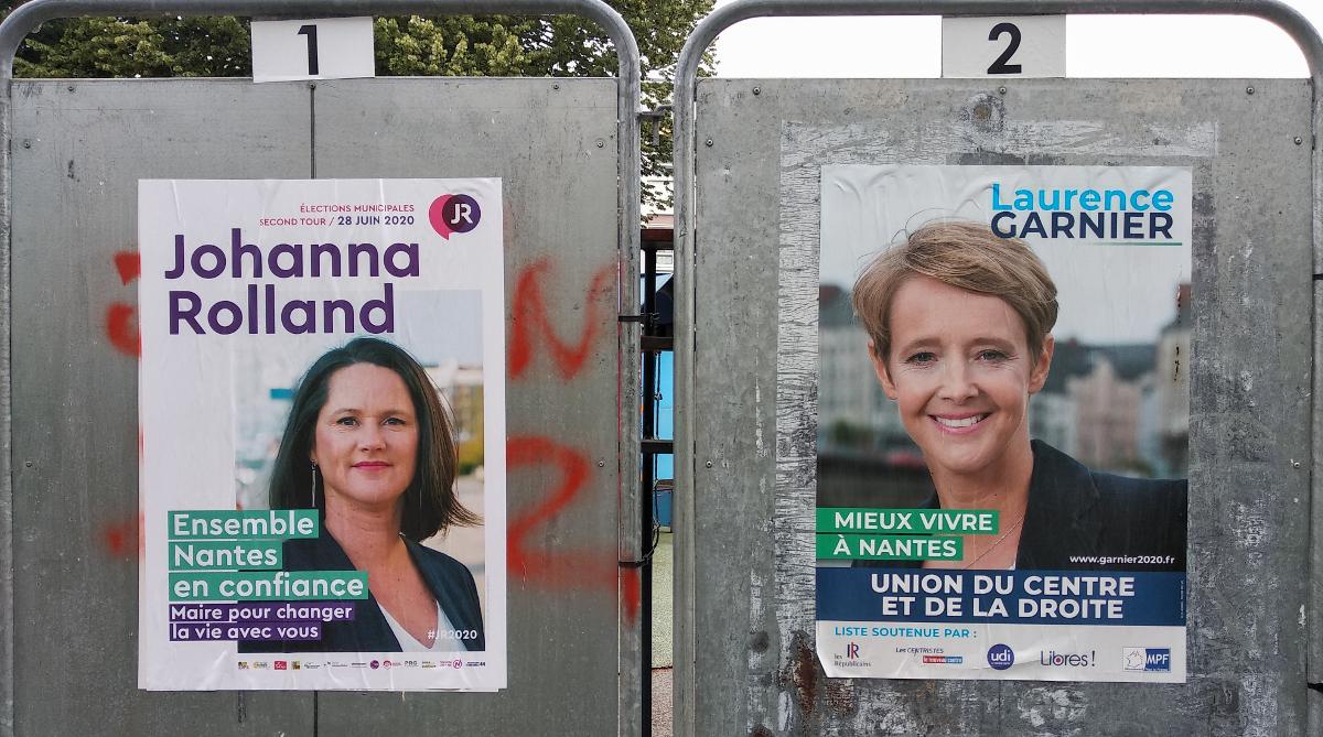 Affiches electorales de Johanna Rolland et Laurence Garnier, en 2020 (c) Thibault Dumas