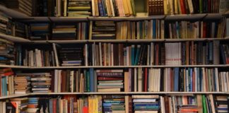 books-4499167_1280