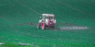 tracteur_pesticides_pixabay