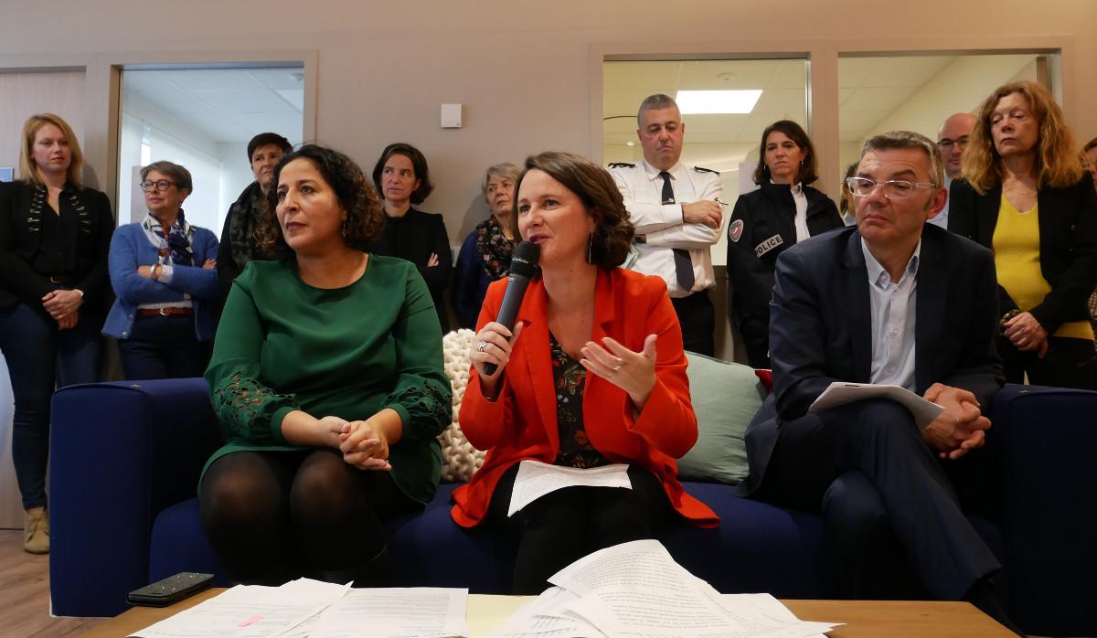 En novembre 2019, Johanna Rolland inaugure CitadElles a Nantes, lieu daccueil des femmes victimes de violence