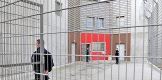 Corbas (69) : Gardiens de prison au centre penitentiaire de Lyon-Corbas.