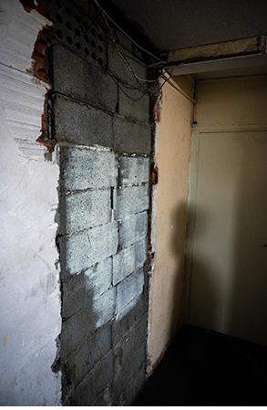 Lestang 3 porte murée