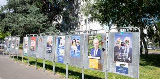 Panneaux électoraux des élections régionales à la Boissière
